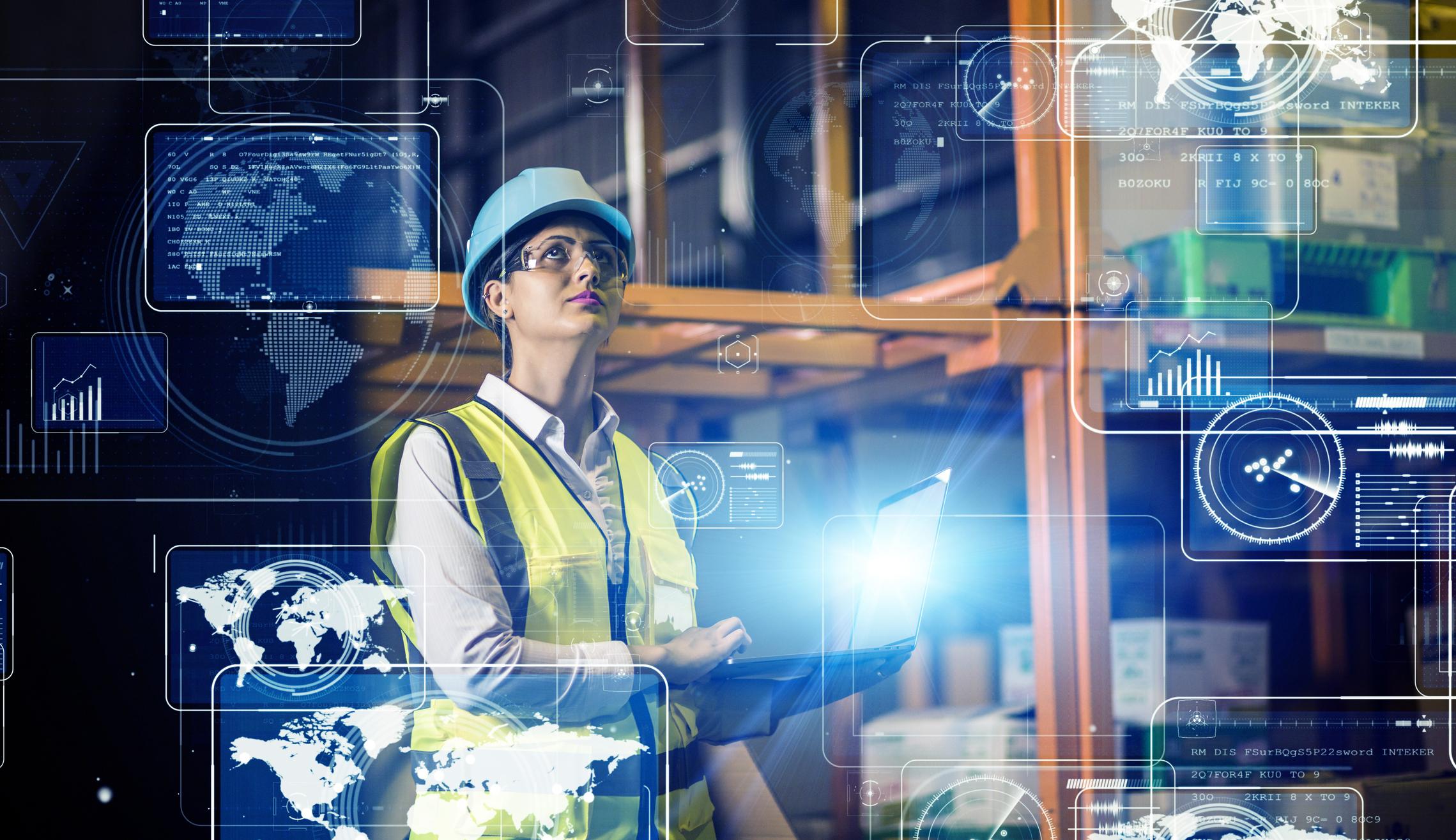 Donna in una Digital Factory